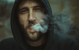 """עישון בקמפוס: איפה מותר לעשן - ואיך נמנעים מדו""""חות?"""